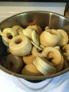 apples-in-pot