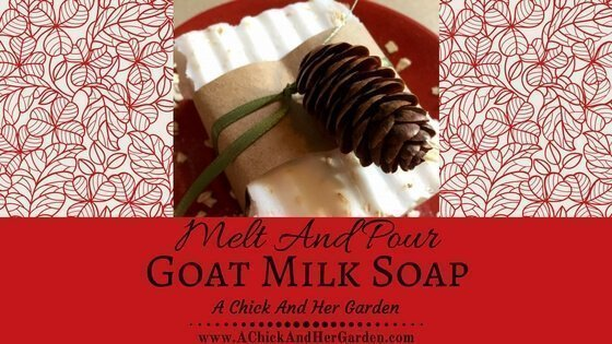Make this easy melt and pour soap to give a beautiful (affordable!) gift this Christmas!