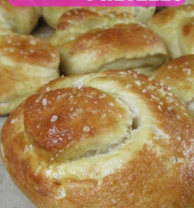 This pretzel recipe will be your new go to for using up sourdough discard!! I can't tell you how many batches of sourdough pretzels I've baked in the past few weeks! #homesteadbaking #sourdoughbaking #sourdoughrecipes #softpretzelrecipe #sourdoughpretzels #bakedgoods #breadrecipes #achickandhergarden